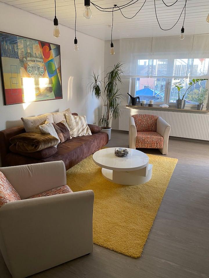 2 Zimmer Wohnung Nähe Messe/Flughafen/Metzingen