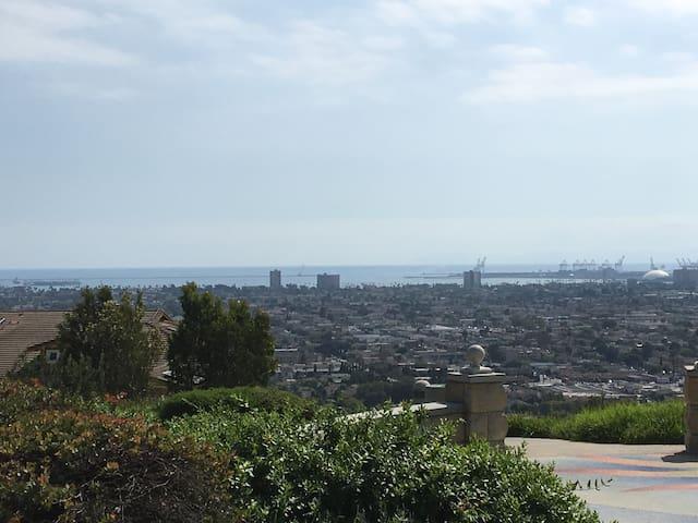 Large PRIVATE HillTop Estate w/ Ocean/City views