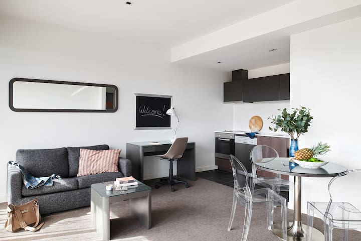 Punthill Dandenong - One Bedroom Apartment