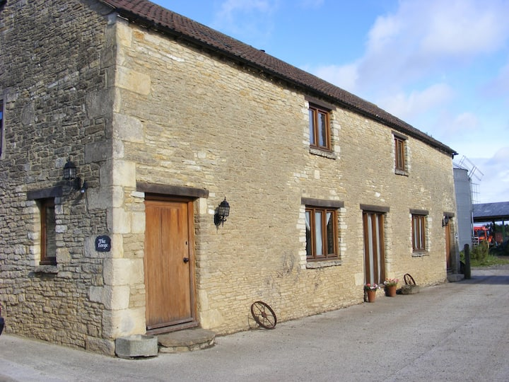 Renovated stone barn near Corsham & Bath