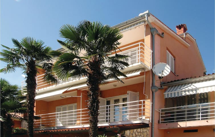 Holiday apartment with 1 bedroom on 53m² in Rabac