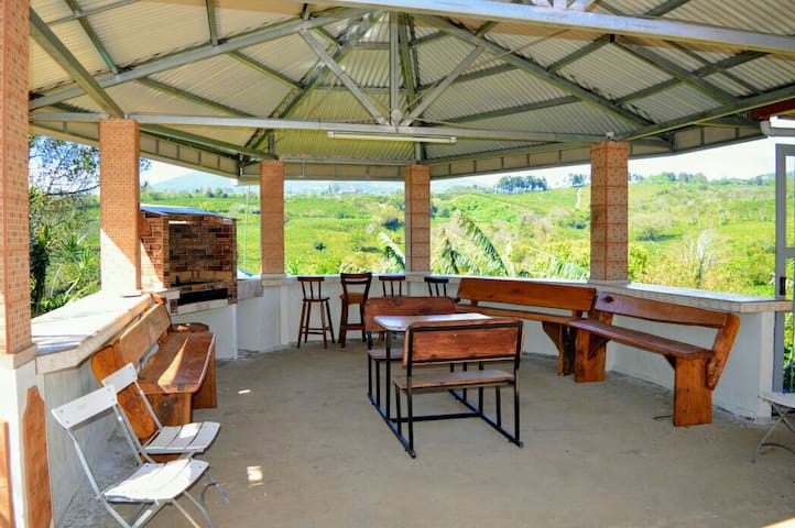 Best  Mount view coffplant house15min from airport