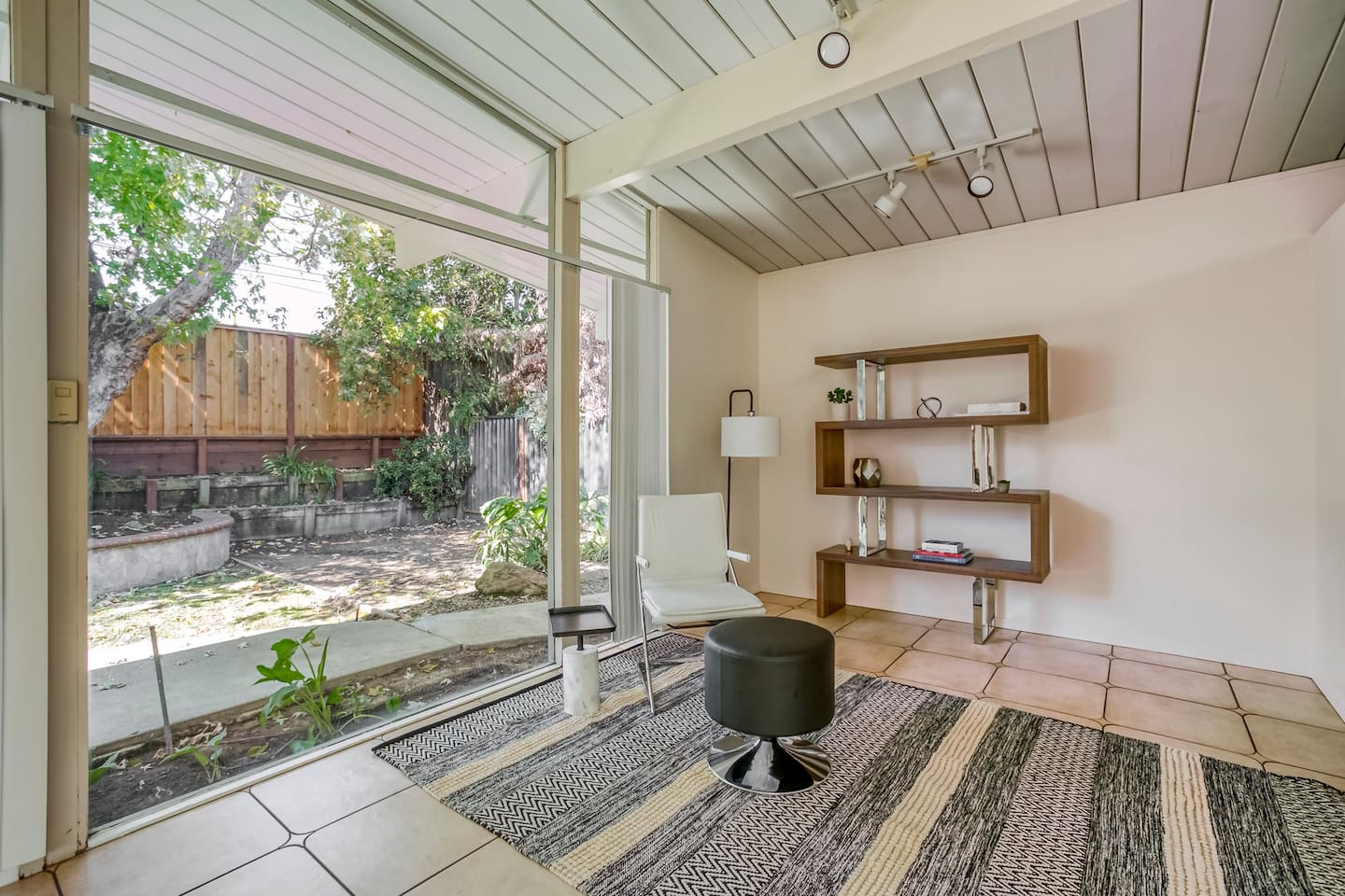 Modern 3BR in Cupertino, Parking + Pet-Friendly
