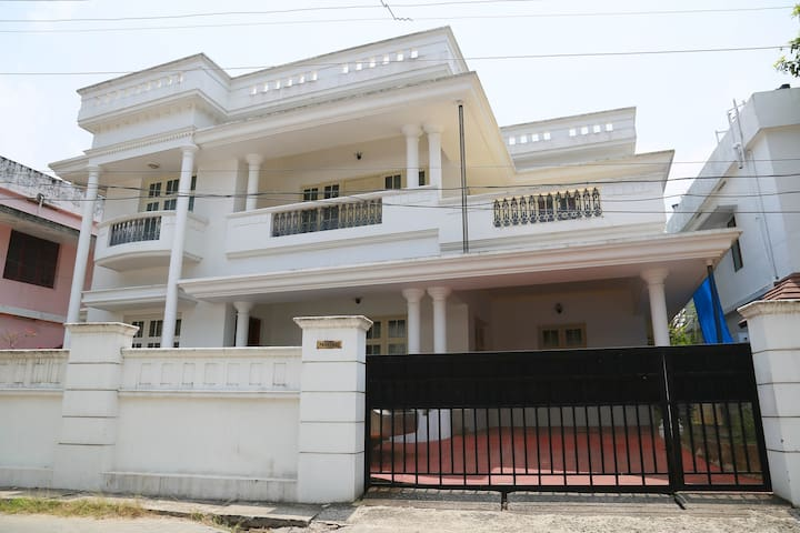 3 BHK Villa at Thevara, Kochi - Parackal House