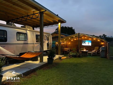 Cozy Warm  Glamping Silver Bullet  Wifi Ev Charger