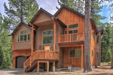 Experience Tahoe!    Fallen Leaf Room