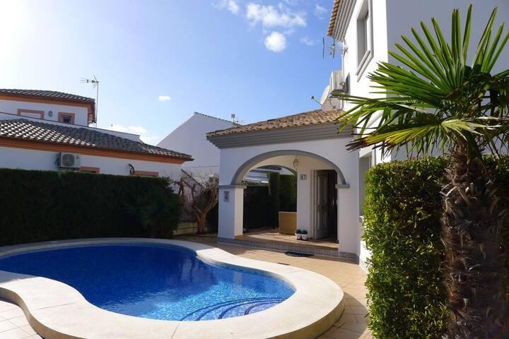 Sunny House near the beach (Denia, Costa-Blanca)