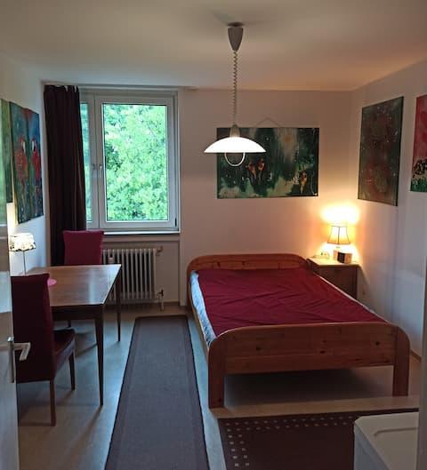Günstiges Zimmer mit Doppelbett!  (200x140)