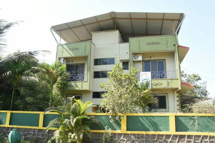 Gulmohar Cottage - Complete first floor