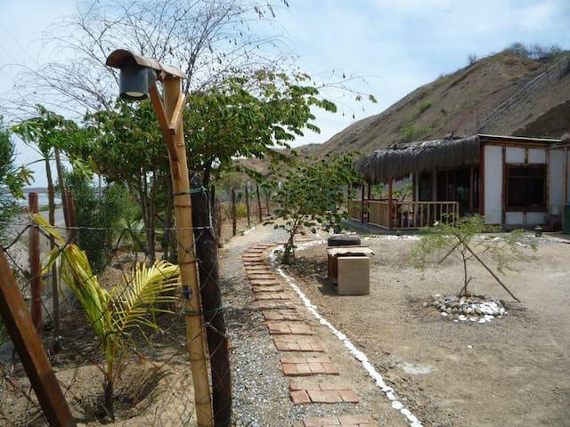Cabaña en la playa - Punta Sal