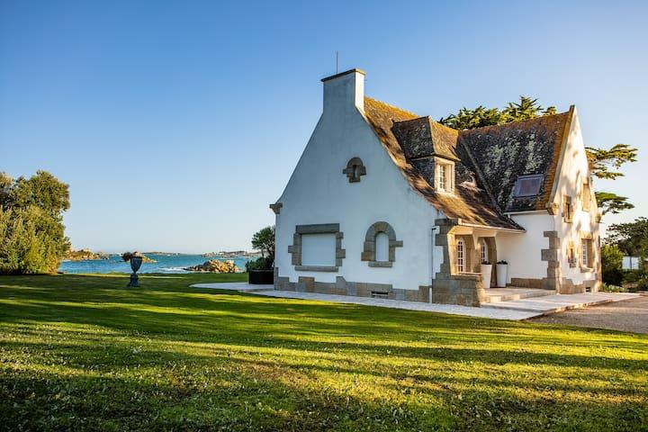 Beautiful Peninsula house on the ocean