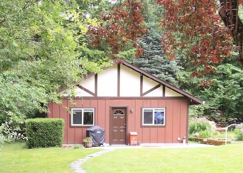 Darlene's Cottage on Wilson Hill