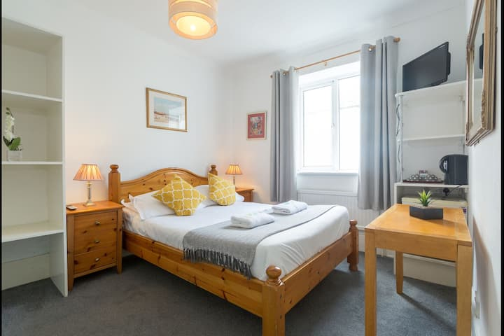 Double Ensuite Room in the Heart of Kemptown