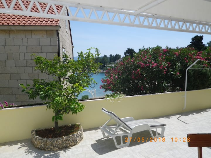A1-apartment 50m from the beach with the sea view