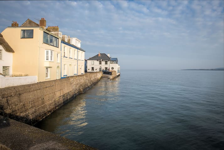 Ground floor apartment- home on the seafront
