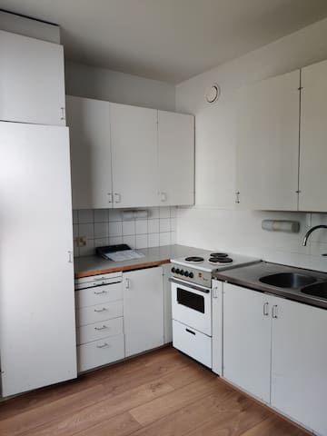 Room available in a flat for couple of months