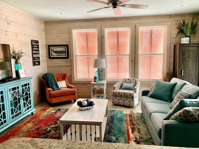 Gulf View Cottage Sleeps 8 Flexible Cancellations