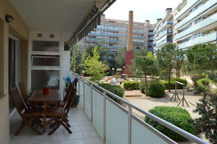 Piso Terrassa centro con terraza-zona comunitaria - Terrassa - Apartemen