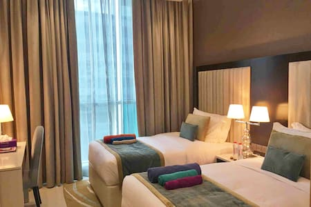 Luxury En-Suite Room - Dubai Mall / Burj Khalifa