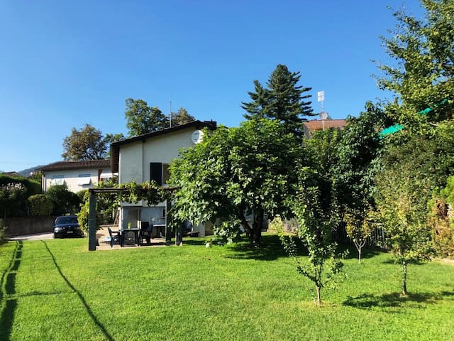 Home sweet home with garden in Lugano