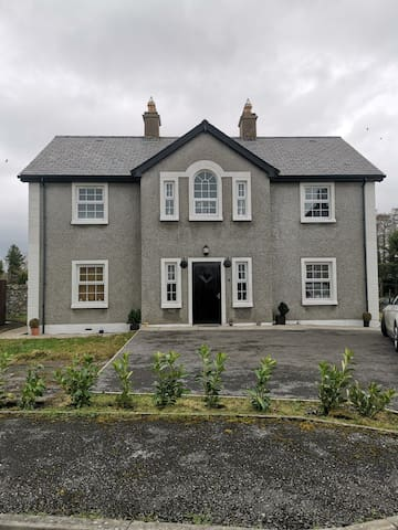 5 Bed House in Belleek, Fermanagh, Ideal location!
