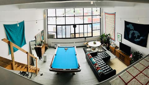 Huge Brooklyn Loft with Pool Table and City View