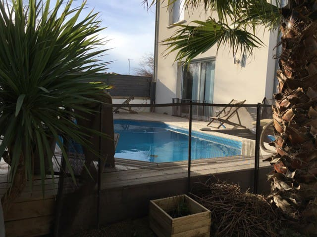 POOL HOME LOCATED AT 150 METERS FROM THE BEACH - Frontignan - House