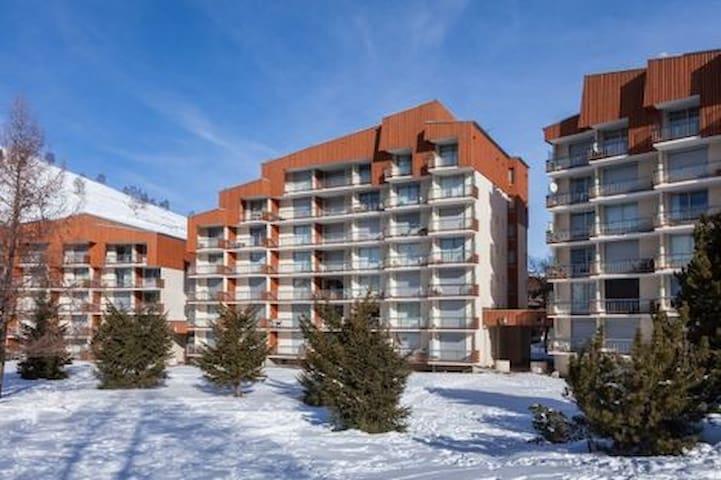 Un studio au choix face départ ski/parking/casier - Mont-de-Lans - Apartamento