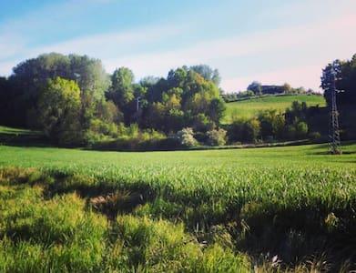 Stanza privata in cascina nel Monferrato