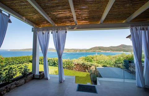Sea view apartment near Porto Rotondo with pool