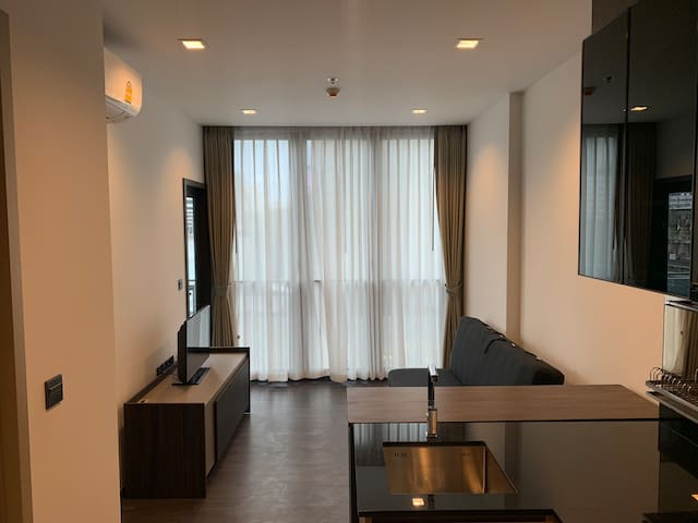 Beo CENTER  Near MRT Station  1 bedroom