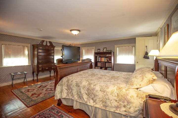 Clark Currier Inn - Tedford Room