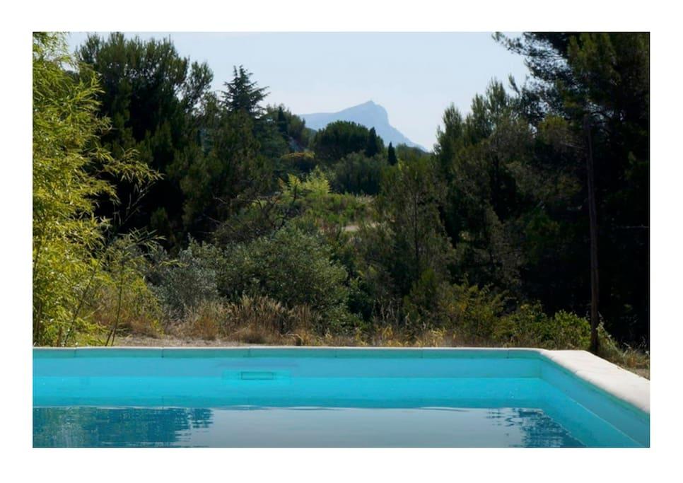 Bastide xviiie piscine vue sur sainte victoire - Piscine d aix en provence ...