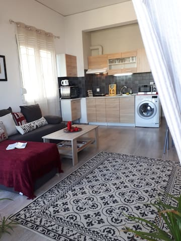 Beautiful seaview flat in the heart of the oldtown