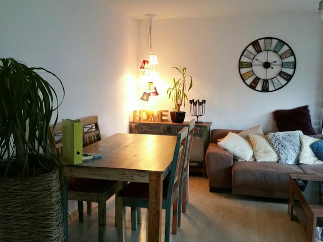 Charmante Wohnung nähe Stuttgart - Leutenbach - Daire