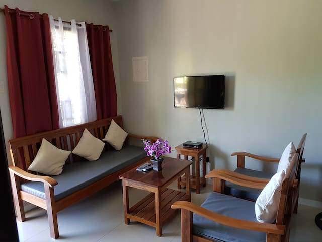 2-Bedroom Fully Furnished ideal for up to 6 person