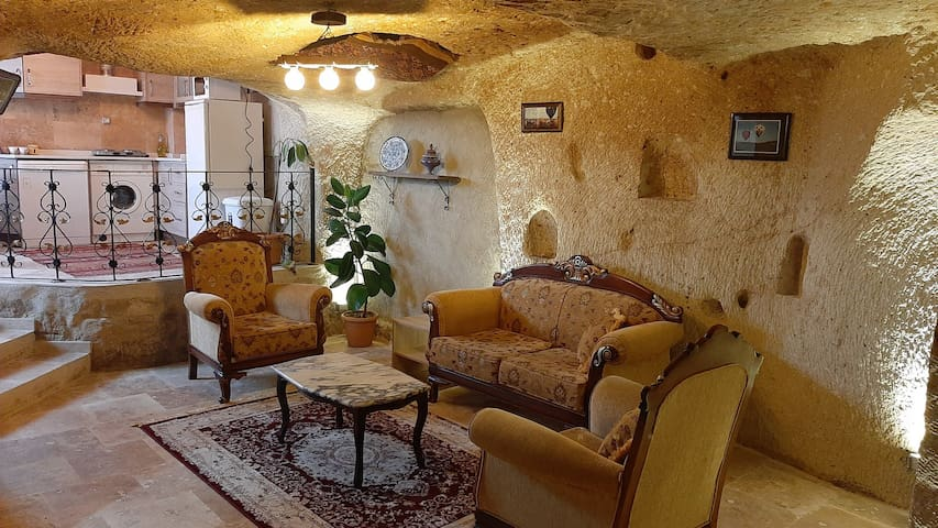 Kamelya Cave Suite with Kitchen (3-5 persons)