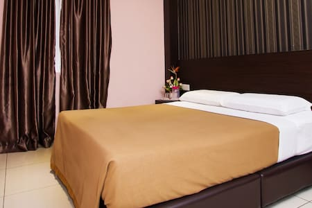Deluxe Room Remember Hotel (Bukit Gambir) - Ledang District