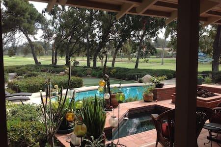 Golfers Paradise Custom Home - Hus