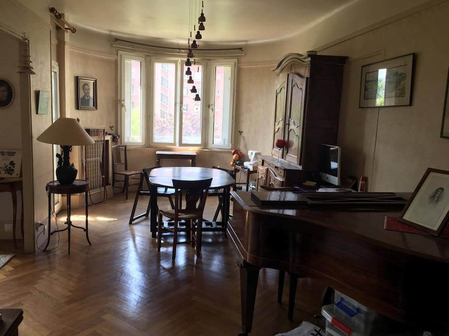 le lumineux d tendu wohnungen zur miete in paris le de. Black Bedroom Furniture Sets. Home Design Ideas