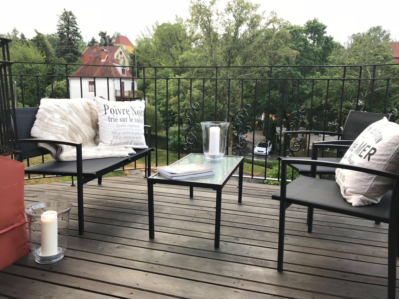 Lounge set on the rooftop balcony