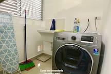 Zona de lavanderia / Laundry zone