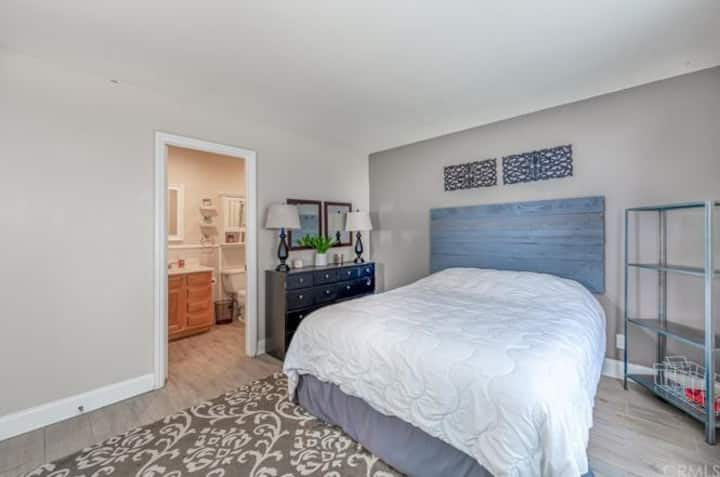 Laguna Hills Private Master Bedroom