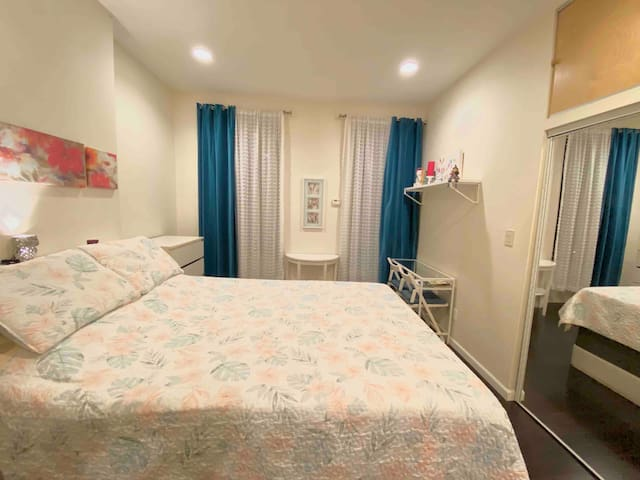 Master bedroom , private bathroom in 2bed apart