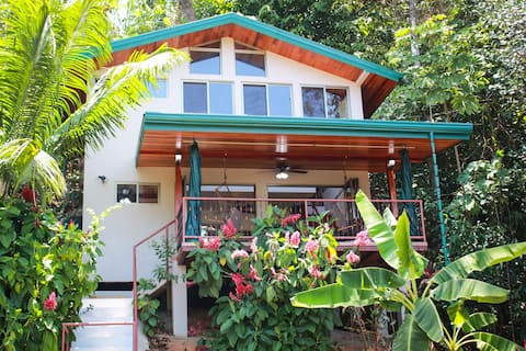Casita Colibri - Mile From the Beach!!