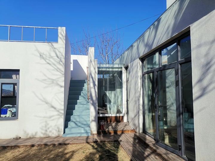 密云水库旁 玻璃阳光顶 双露台 270度宽阔视野北欧建筑风格小院 归厝 cuo 住家式民宿