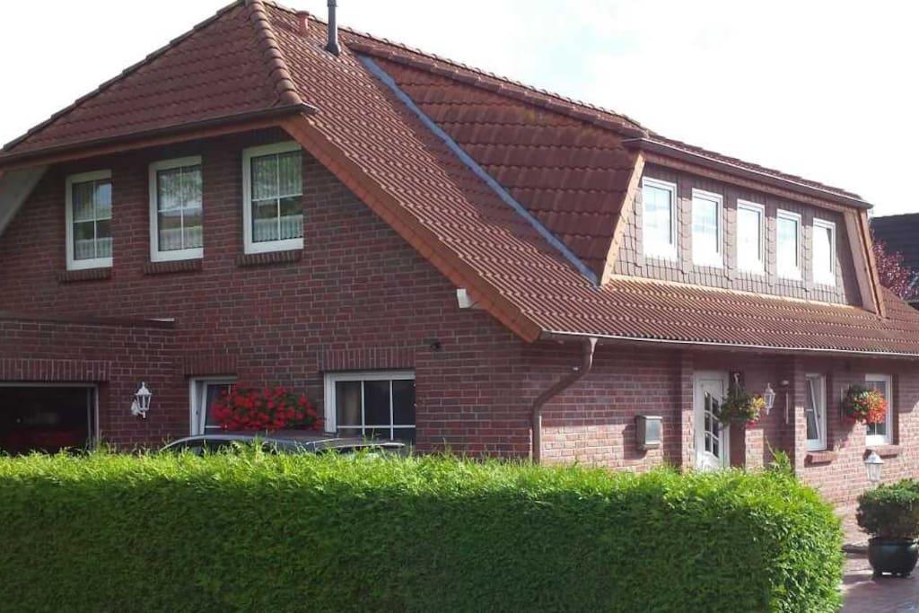 2 zimmer ferienwohnung mit balkon in wilhelmshaven wohnungen zur miete in wilhelmshaven. Black Bedroom Furniture Sets. Home Design Ideas