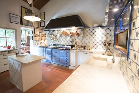 B&B  and Italian Cookery school