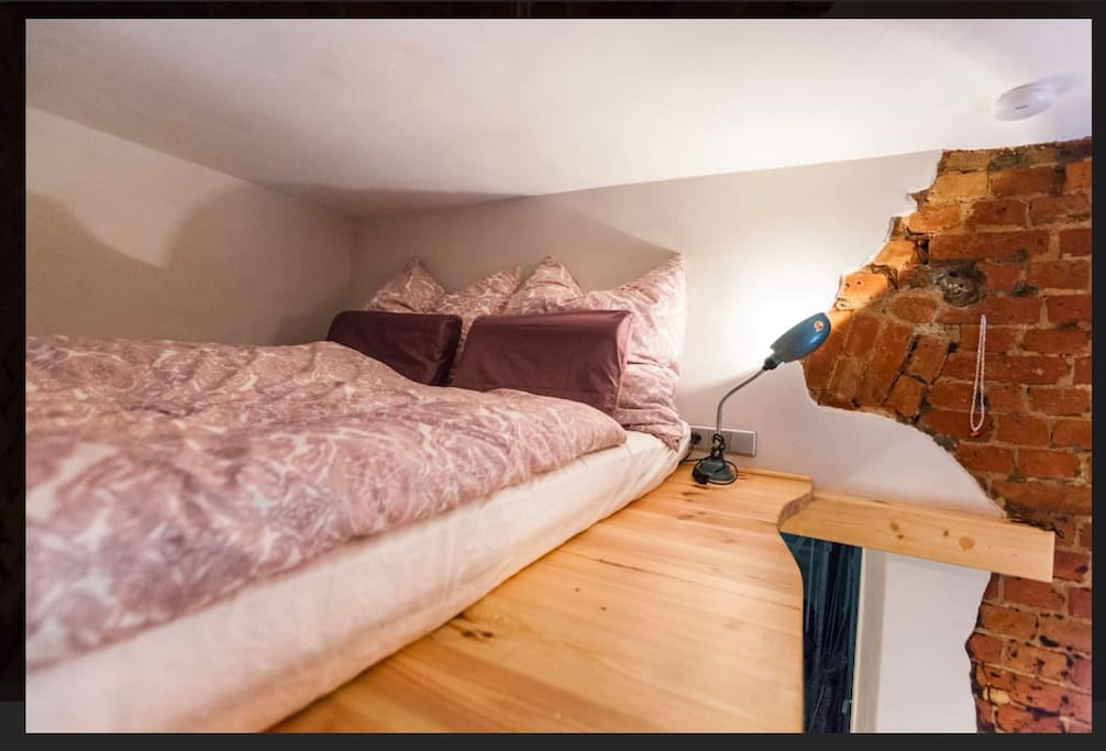 The Kingsize loft bed (160 x 200)