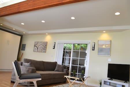 Near Hanauma Bay Modern Family Friendly  House